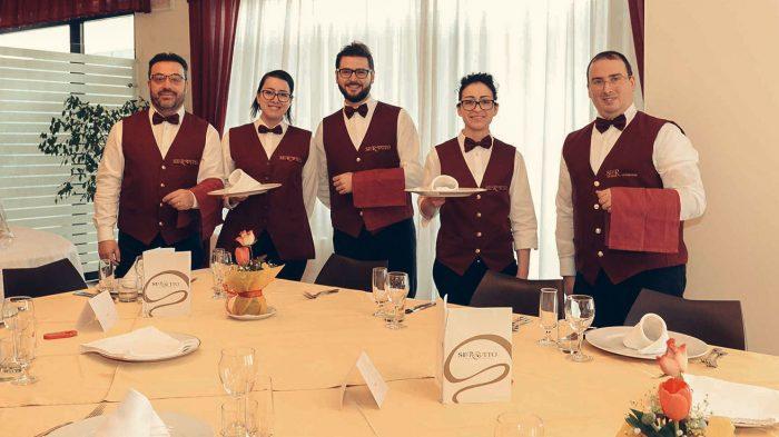 Chef, camerieri e addetti a controllo, confezionamento, distribuzione e trasporto
